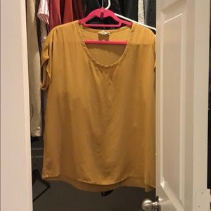 Mustard Top size small